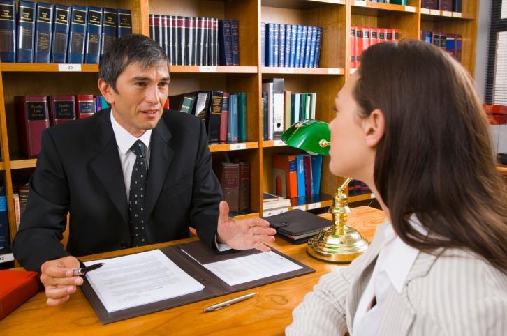 Wydatki można dokumentować fakturami wystawionymi na męża
