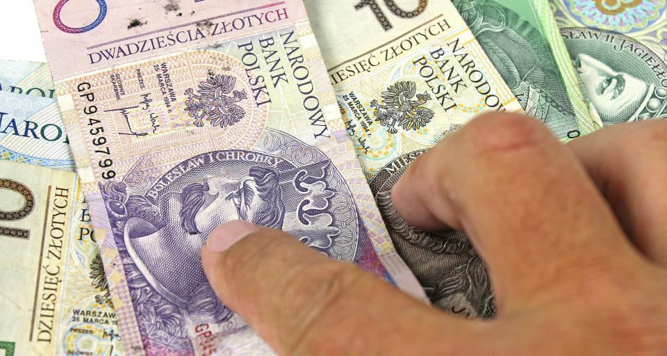 Mąż może ze swojego konta zapłacić za żonę zaliczkę na PIT