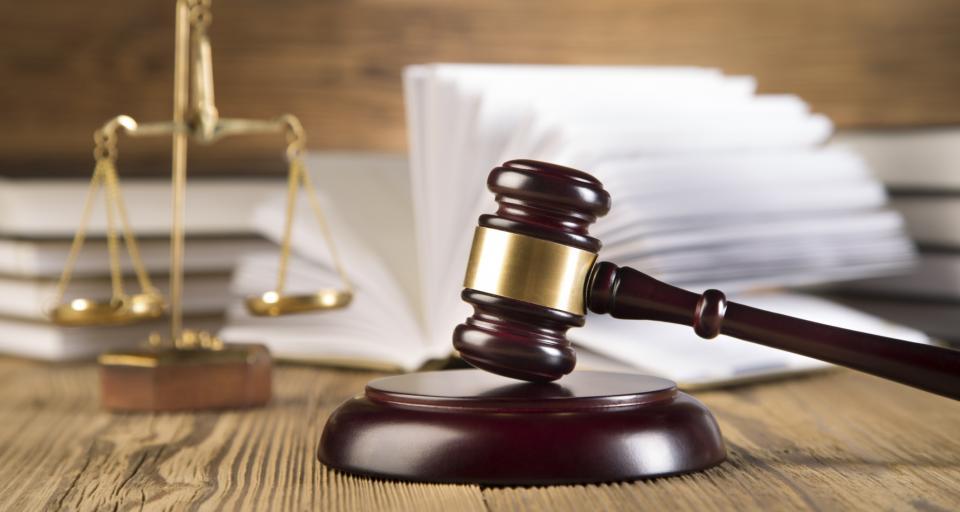Umiarkowane zaufanie Polaków do sądów