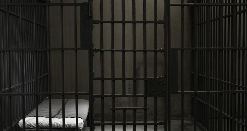 Zastępca RPO: za dużo osób przebywa w zakładach karnych