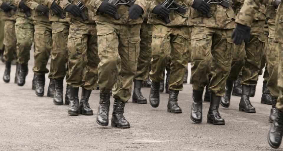 Rząd chce wydawać więcej na liczniejszą armię
