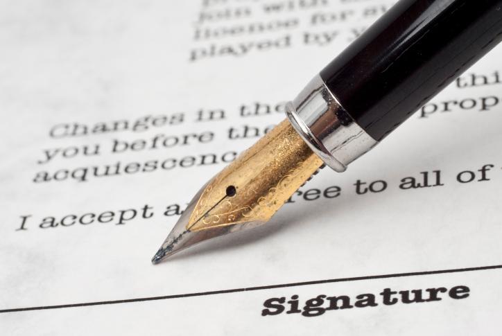 IPN: ambasador nie skłamał, chociaż zobowiązanie współpracy z SB podpisał