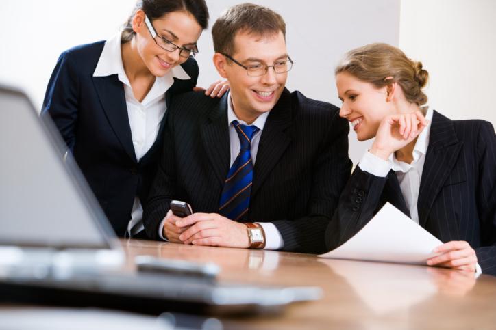 Trzeba zbadać rzeczywiste powody rozwiązania stosunku pracy z radnym