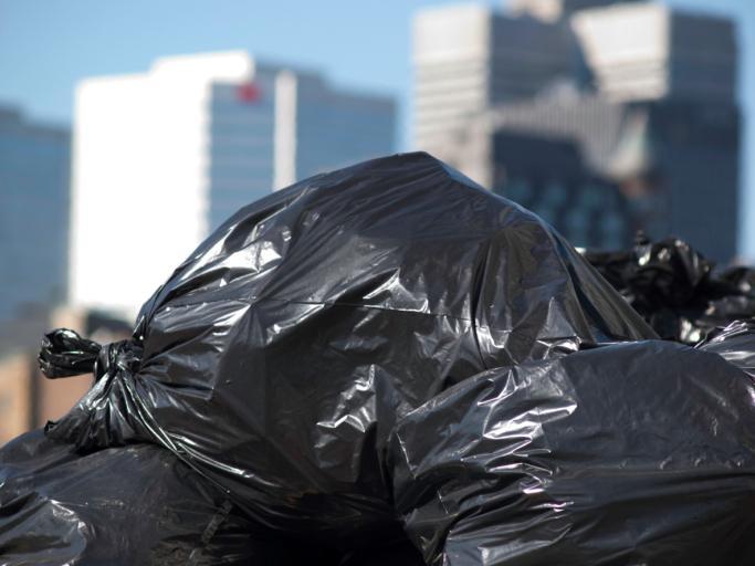 Gmina zorganizowała wywóz śmieci…raz na kwartał