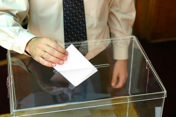 PKW: tylko jedna komisja wojewódzka zakończyła liczenie głosów