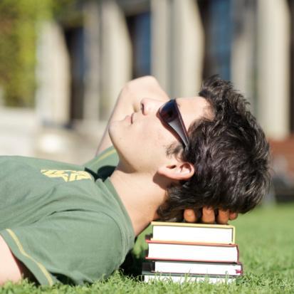 Rząd amerykański ogranicza program pracy studentów w USA