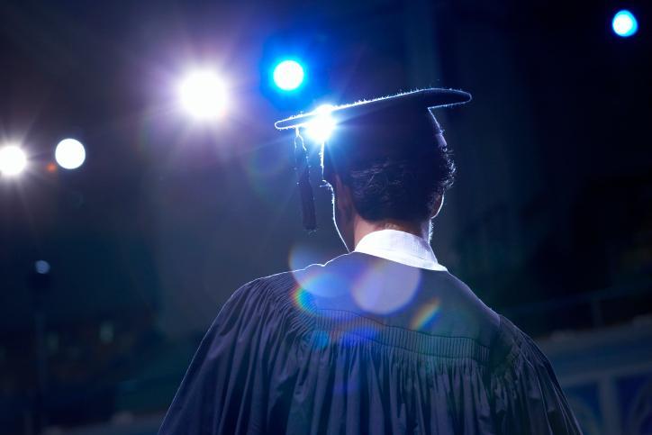 Którą formę egzaminu maturalnego w obecnym roku szkolnym zdają uczniowie, którzy nie przystąpili do egzaminu w latach poprzednich?