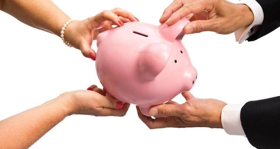Brytyjski ekonomista: szkoła musi uczyć, jak gospodarować pieniędzmi