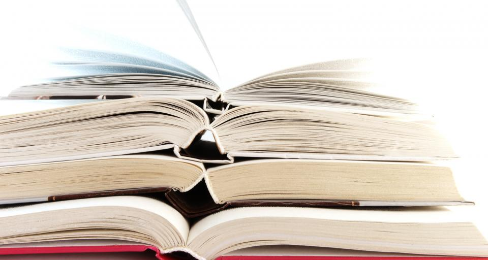 Ministerstwo: prawie 600 tys. uczniów może dostać pieniądze na podręczniki