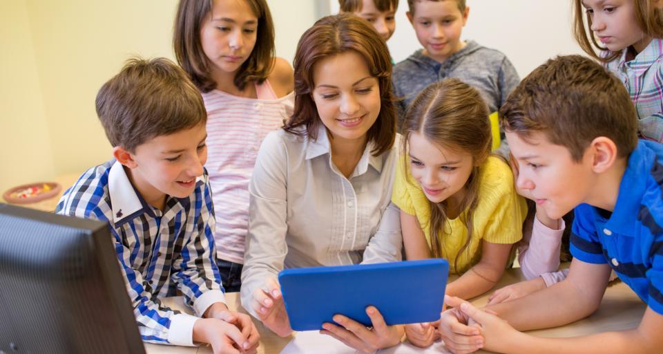 Od 2018 r. więcej szkół z dostępem do szybkiego internetu - projekt już w Sejmie