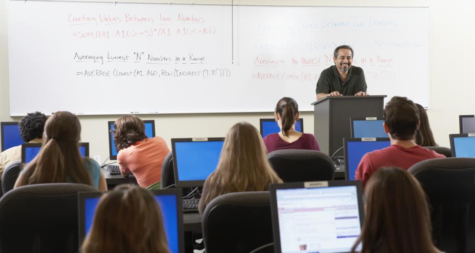Kraków: studenci AGH wyjadą na staże do Penn State University