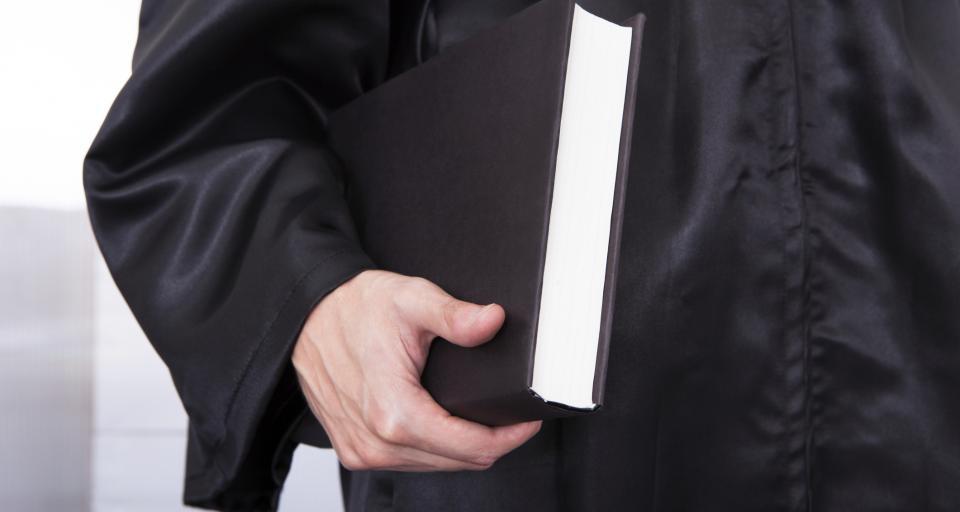 Ukarany sędzia z obciętym wynagrodzeniem?