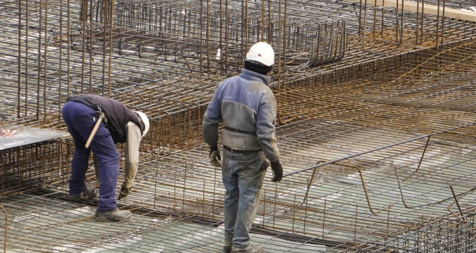 Odmowa wydania pozwolenia na budowę garażu w granicy działki
