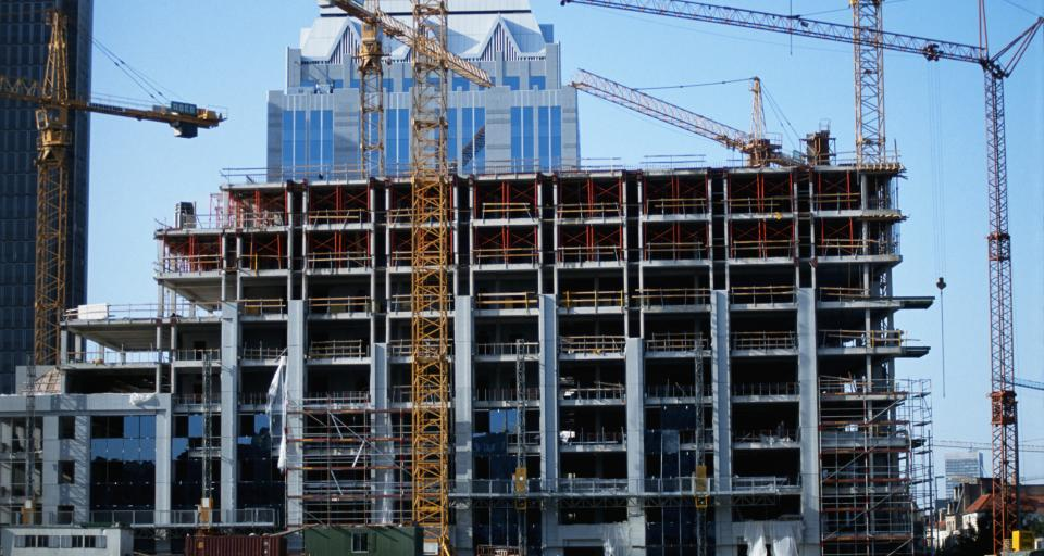 W lutym wykorzystanie mocy produkcyjnych w budownictwie spadło do 60 proc.