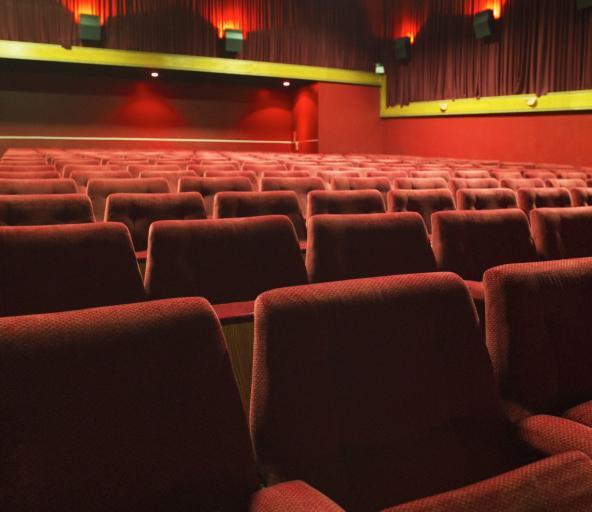 W teatrze w Londynie zarwał się sufit, ponad 80 rannych