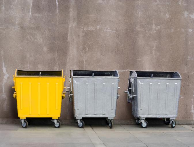 Odpady muszą być składowane w określonej odległości od budynku mieszkalnego