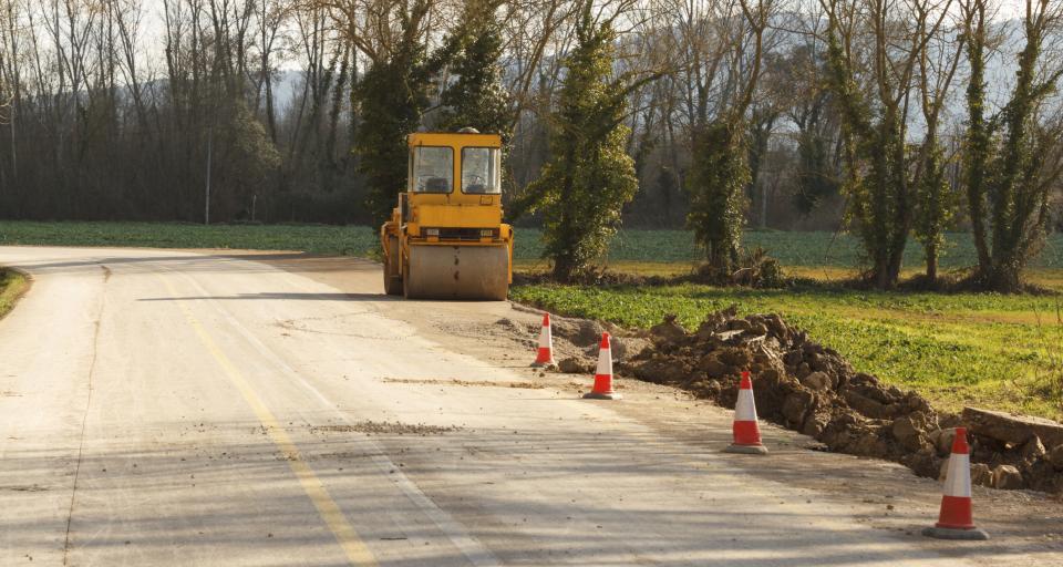 Budowa ogrodzenia w bezpośrednim sąsiedztwie drogi publicznej wymaga zgłoszenia