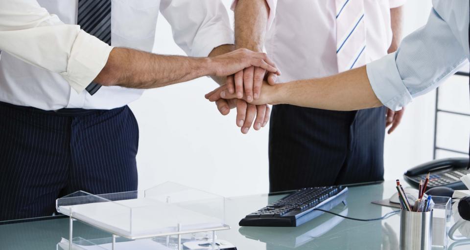 Podpisano umowę ws. przekazania gruntów PKP na realizację programu Mieszkanie Plus