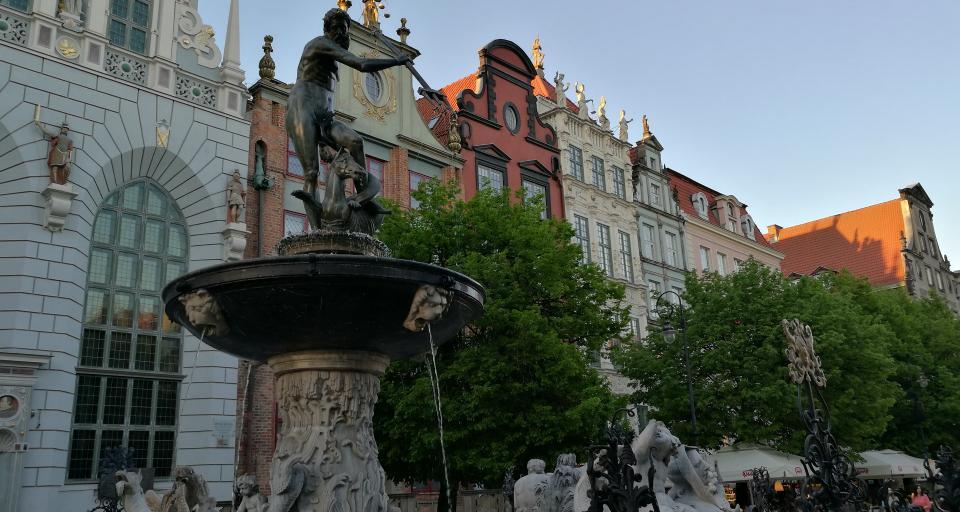 Gdańsk: rozpoczęto zabudowę północnego cypla Wyspy Spichrzów