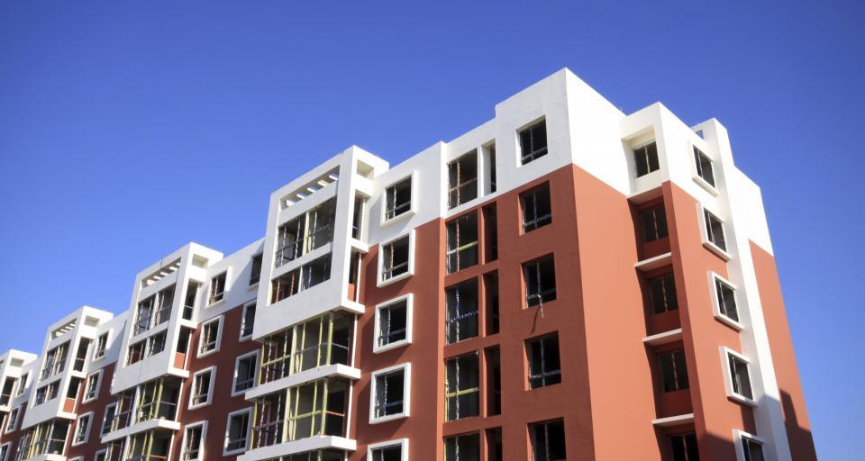 Ekspert: Polacy inwestują pieniądze w mieszkania