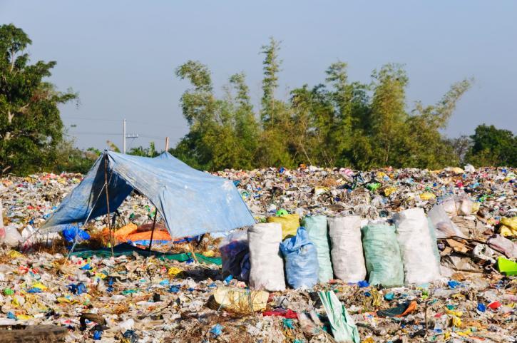 Nowelizacja ustawy o odpadach: poprawka sprecyzuje kompetencje do zamknięcia składowiska
