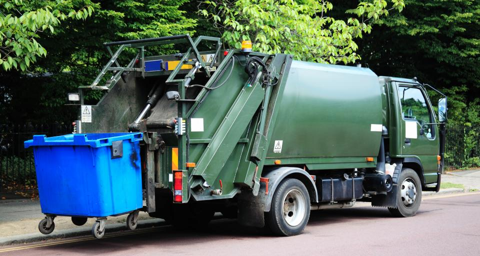 Czy właściciel nieruchomości może zostać ukarany za brak wystarczającej ilości pojemników na odpady?