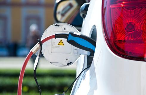 Senat przyjął ustawę o elektromobilności