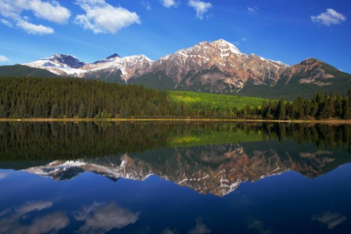 Tatrzańskie stawy  zanieczyszczone przez turystów