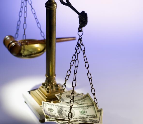 KRS protestuje przeciw odebraniu sędziom autonomii i podwyżek