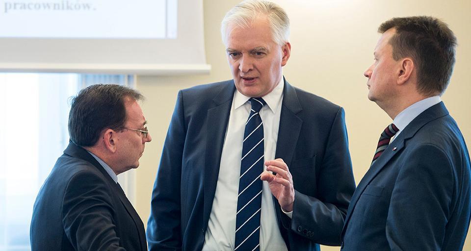 Minister Gowin: sądy korporacyjne zamiatają pod dywan