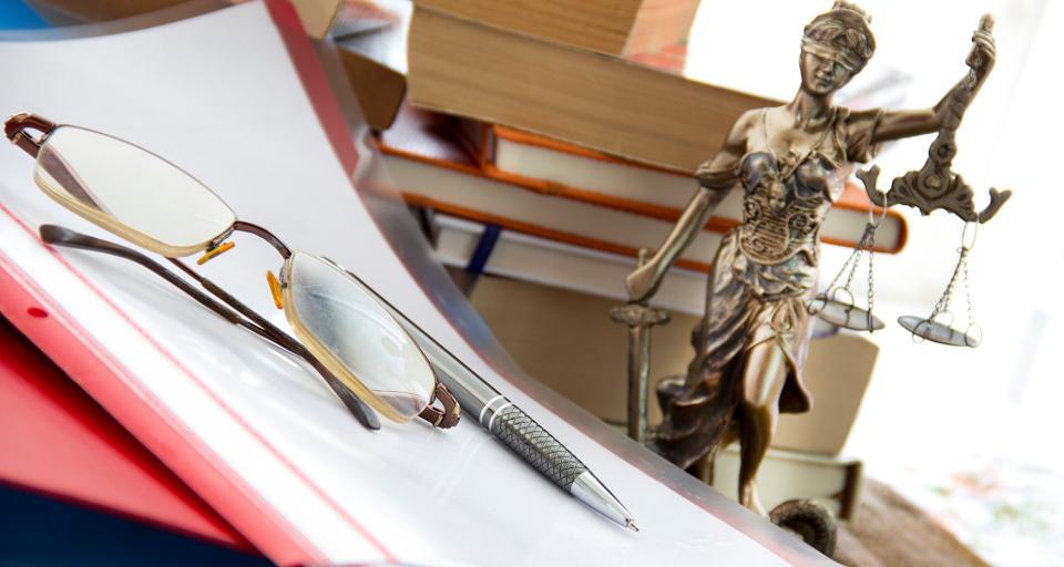 Szlachetne zdrowie adwokata w spódnicy