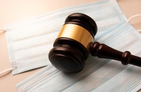 To sąd decyduje czy zwolnić, czy nie zwolnić lekarza z tajemnicy