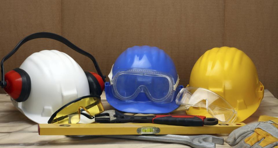 Kontrola zaopatrzenia pracowników i stosowania przez nich środków ochrony indywidualnej oraz odzieży i obuwia ochronnego