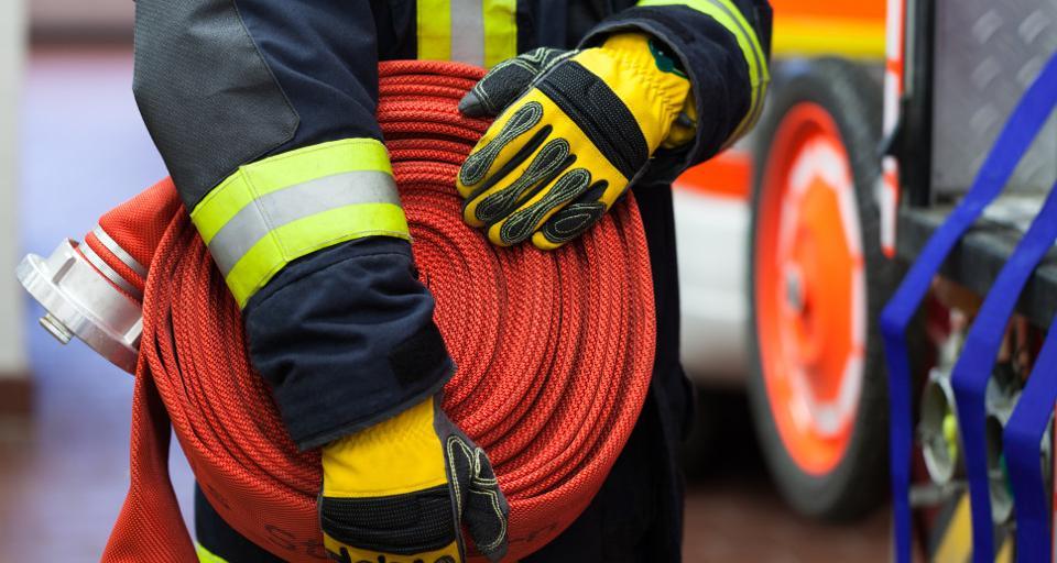 Ponad 140 mln zł dla straży pożarnej na zakup samochodów i sprzętu ratunkowego