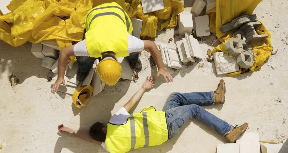 Kolory kasków ochronnych na budowie