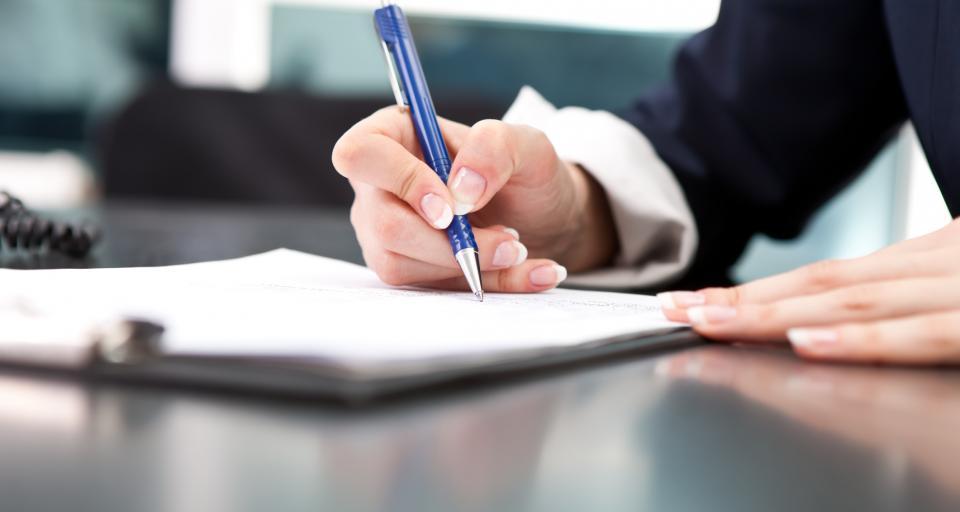 Na co zwrócić uwagę podpisując umowę o prowadzenie księgi