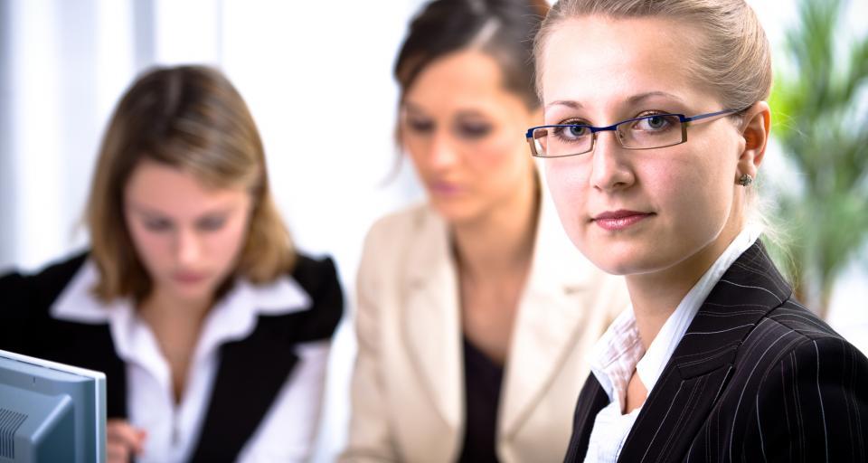 Mali pracodawcy chętniej zatrudniają młodych