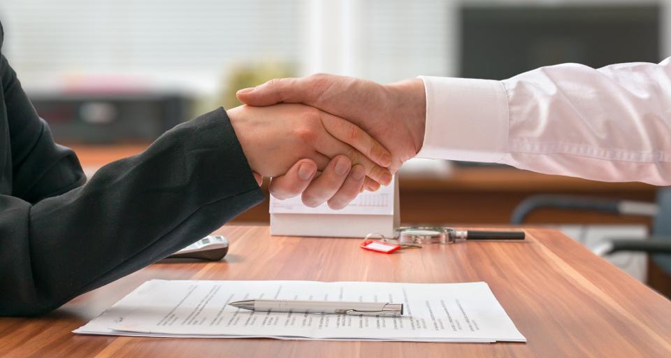 Pracodawcy chętniej oferują umowy na czas nieokreślony