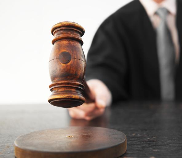 Wyznaczono termin rozprawy ws. przetargu na przesyłki sądowe