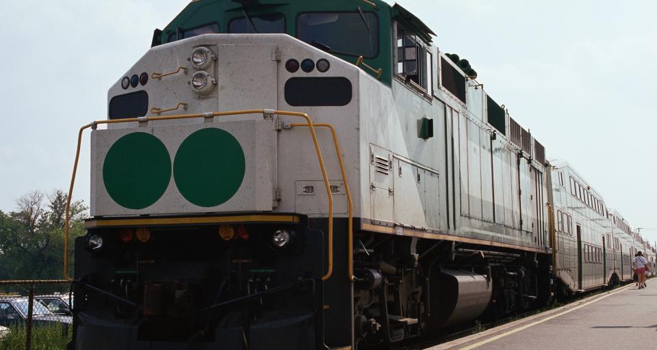 Podpisano pięć umów na modernizację przejazdów kolejowo-drogowych