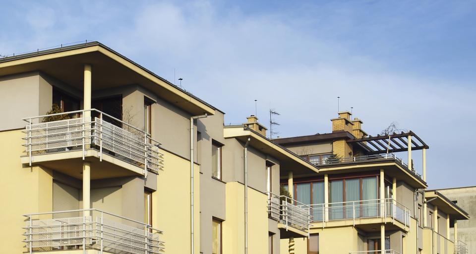 Senat poprawia ustawę pozwalającą na wyodrębnianie lokali w starych budynkach