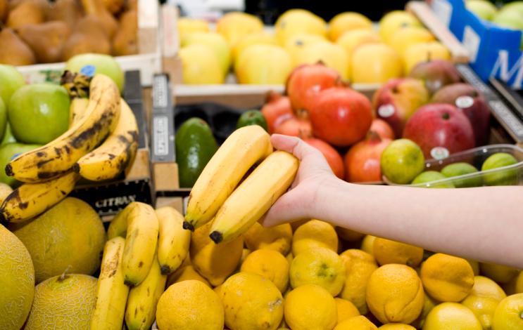 Rząd chce przepisami ograniczyć import owoców
