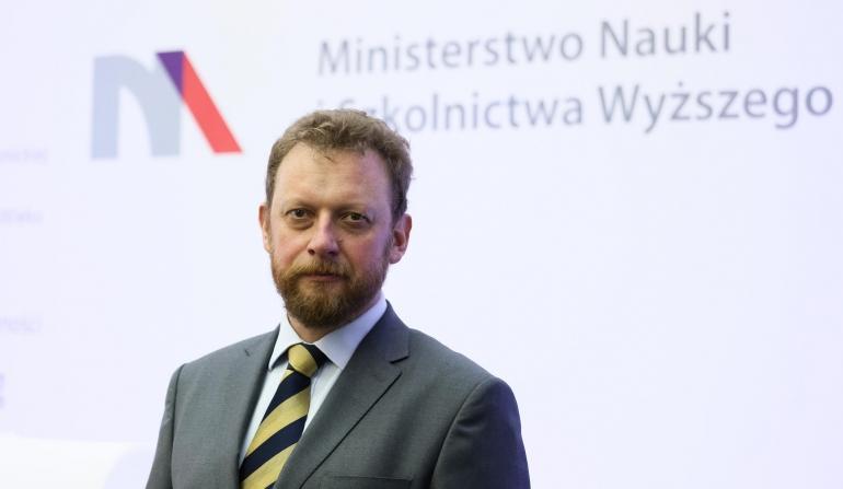 Minister za utrzymaniem obowiązku szczepień