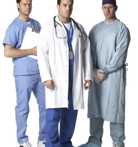Raport: zarobki lekarzy