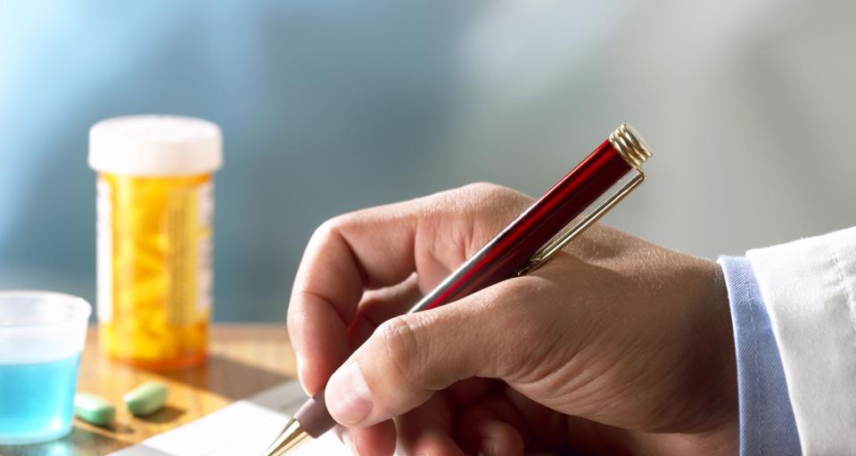 Lekarze nie chcą ujawniać powiązań z firmami farmaceutycznymi