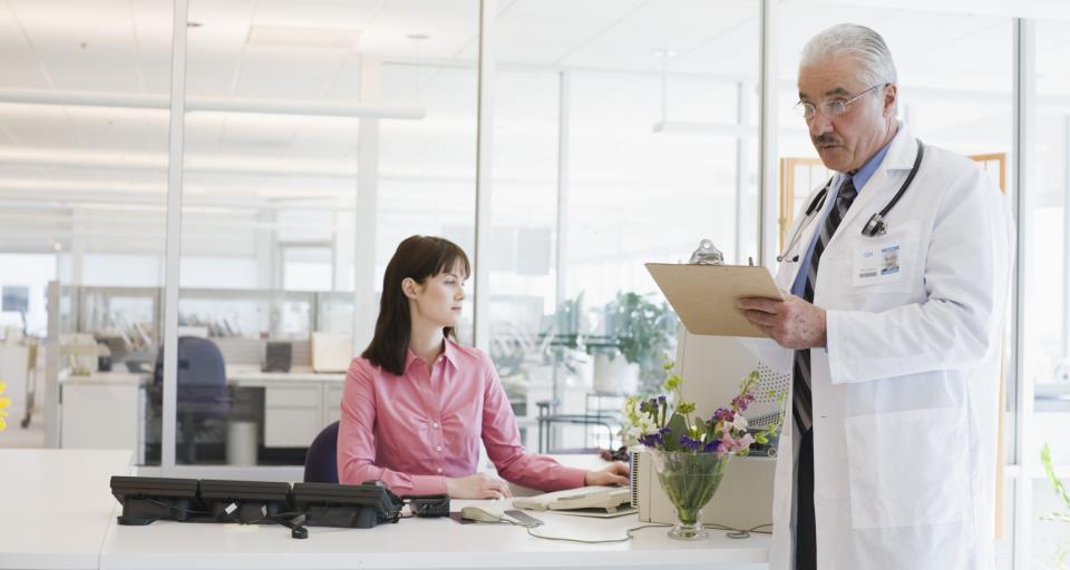 Sekretarka medyczna może prowadzić dokumentację medyczną