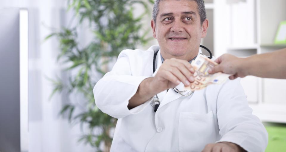 Korupcja i niskie płace wypędzają lekarzy z Bułgarii