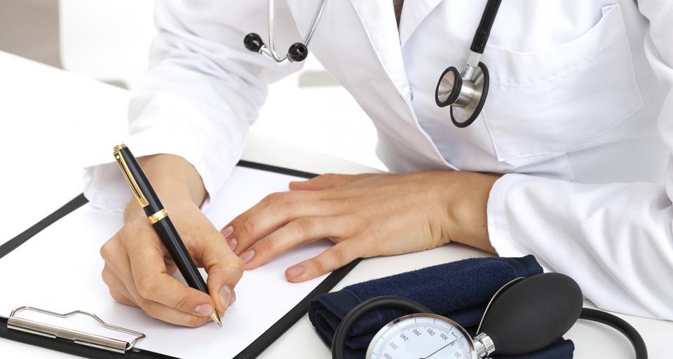 Lekarz POZ nie wystawia zlecenia na wyroby medyczne, gdy pacjent jest w szpitalu
