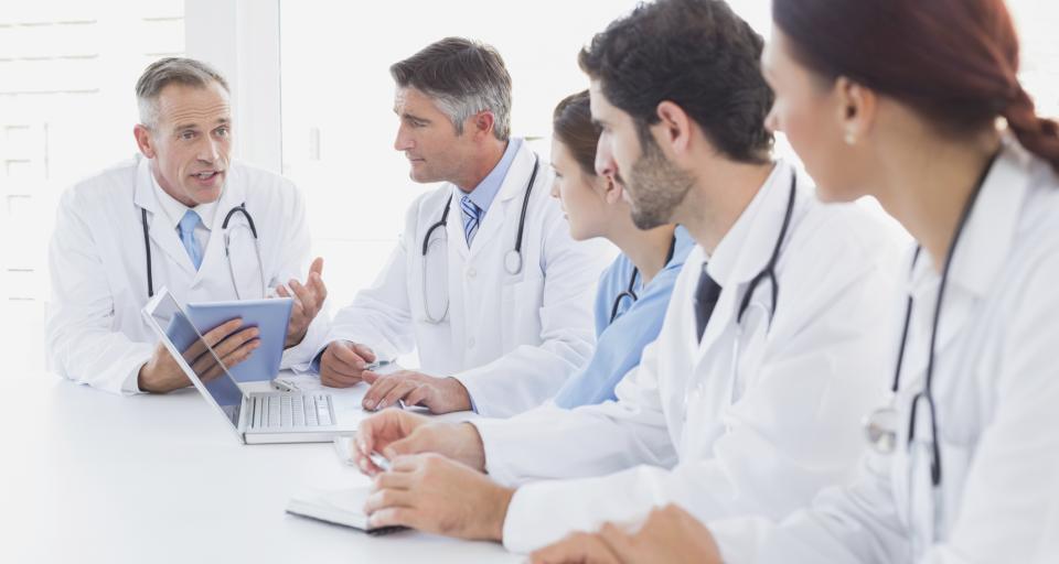 Warszawa: pacjent szpitala wypełni dokumenty cyfrowym długopisem