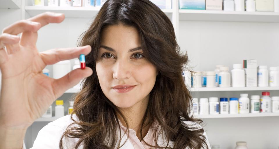 Samorząd lekarski za zakazem reklamy leków i suplementów